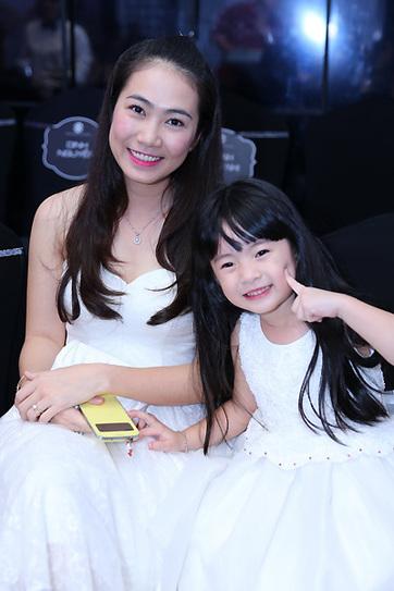 MC Thanh Thảo Hugo và con gái. (Ảnh: Honda)
