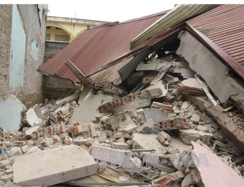 Ngôi nhà 3 tầng bị đổ sập hoàn toàn. Ảnh Dương Trí-TTXVN