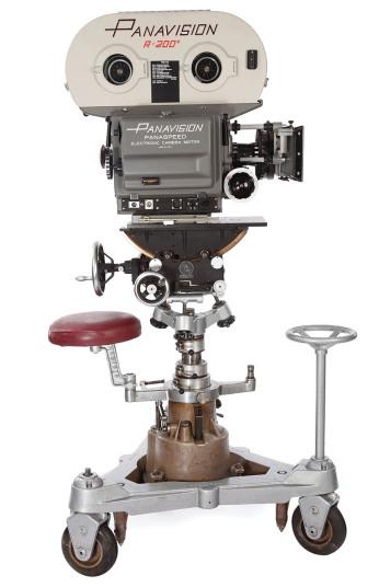 Chiếc máy quay phim Panavision PSR 35mm được George Lucas sử dụng khi quay Star Wars (1977) được bán với giá 625.000 USD