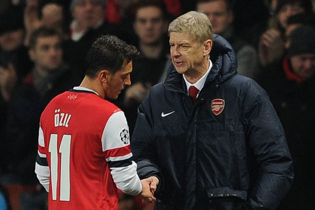HLV Wenger cho Mesut Ozil thêm một cơ hội để tỏa sáng