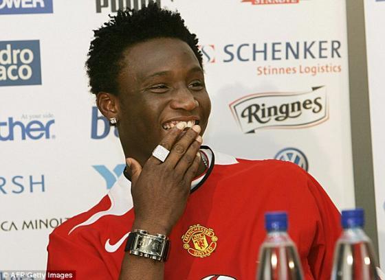 Mikel thậm chí từng khoác áo Man Utd.