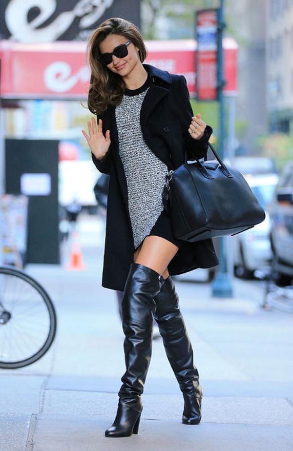 Không chỉ boots cổ ngắn, Miranda còn yêu thích những đôi boots da sành điệu như thế này.