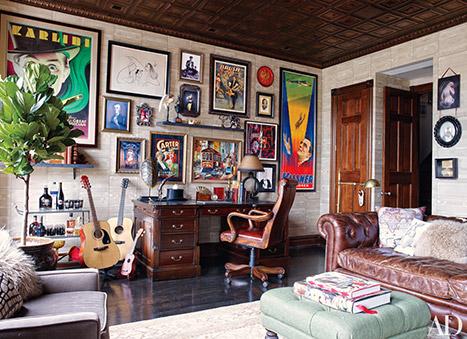 Một trong những căn phòng đẹp nhất trong ngôi nhà. Neil cho biết bố của các con anh muốn căn phòng này phải giống như một câu lạc bộ thám hiểm.
