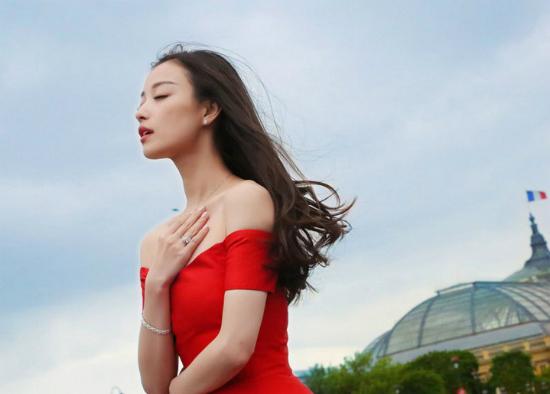 Người tình màn ảnh của Bành Vu Yến khiến người xem bị hút hồn với bộ ảnh tuyệt đẹp.