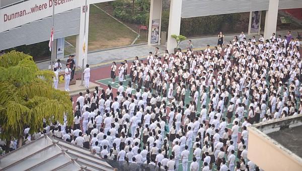 Sáng nay (23/3), các học sinh, giáo viên ở Singapore đã cùng tưởng nhớ ông tại trường học.