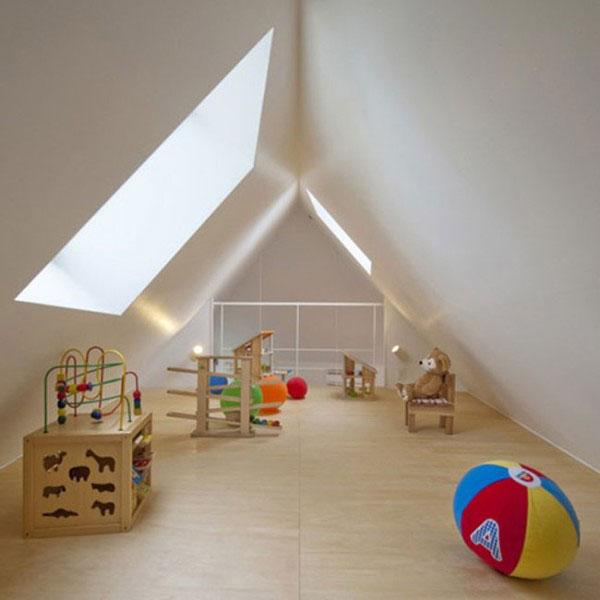 Tận dụng làm tầng áp mái thành phòng chơi cho trẻ.