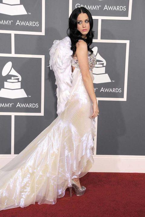 Một số ý kiến hài hước cho rằng Katy Perry chính là phiên bản lỗi của thiên thần Victorias Secret