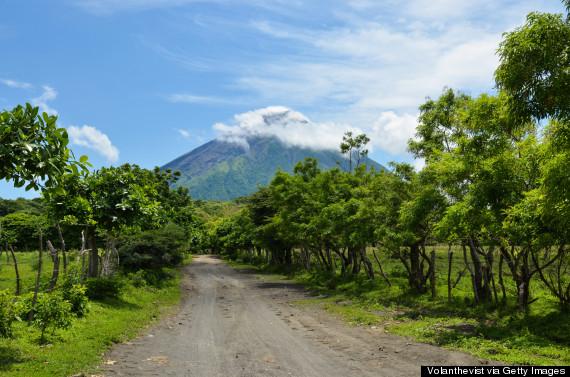 Leo núi là một trong những hoạt động được nhiều người ưa thích khi đặt chân tới Nicaragua. Và, ngọn núi lửa Concéption vẫn đang hoạt động là một thử thách mà bất cứ người yêu mạo hiểm nào cũng muốn vượt qua