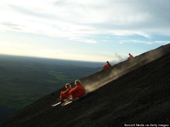Trượt núi lửa là một môn thể thao độc nhất vô nhị chỉ có tại Nicaragua. Hãy chắc chắn bạn không phải là người yếu tim trước khi quyết định tham gia trò chơi mạo hiểm này