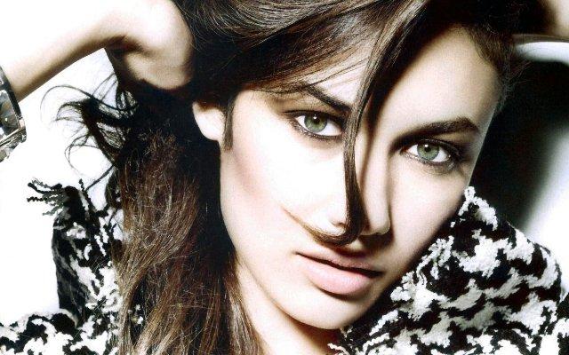 Olga Kurylenko - Diễn viên và người mẫu người Pháp