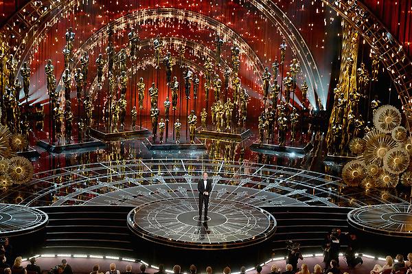 Sân khấu của các lễ trao giải Oscar luôn rất ấn tượng và 2015 cũng vậy.