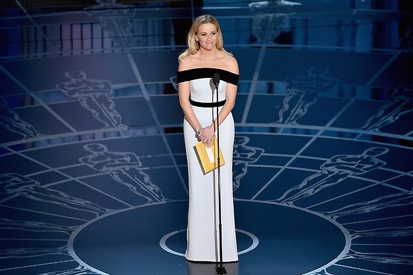 Reese Witherspoon công bố giải Trang điểm và tạo mẫu tóc xuất sắc.