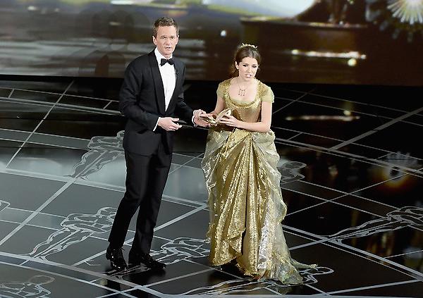Neil Patrick Harris kết hợp với Anna Kendrick - diễn viên của phim Up in the Air.