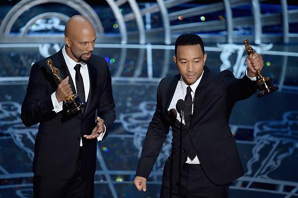 Common và John Legend nhận giải Ca khúc nhạc phim hay nhất.