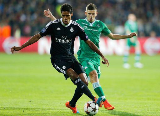 Varane là giải pháp tương lai cho vị trí trung vệ của Real và sẽ không rời đi.