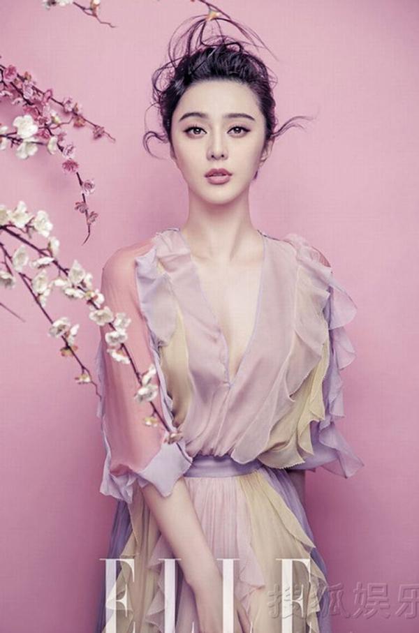 Ngọc nữ đẹp quyến rũ với tông màu hồng ngọt ngào.