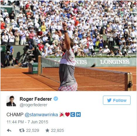 Federer là người đầu tiên chúc mừng Wawrinka trên Twitter cá nhân