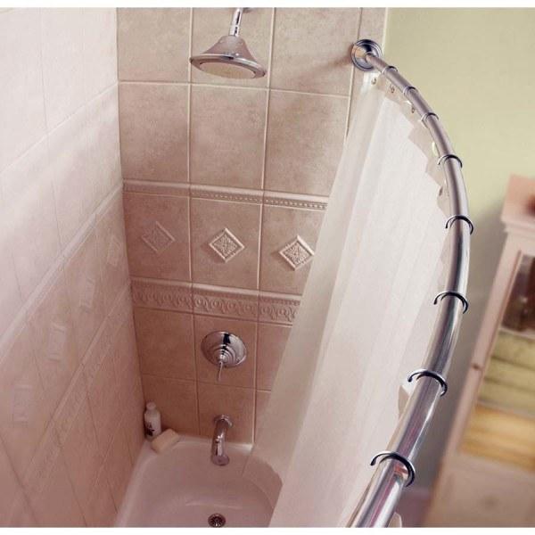Nếu bạn yêu thích phong cách cổ điển, nhẹ nhàng, hãy lựa chọn tông màu nhã nhặn cho phòng tắm, với những hình trang trí hoa văn trên tường gạch.