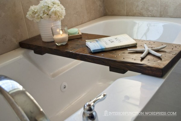 Công cụ đơn giản mà hữu ích, giúp bạn thư thái ngâm mình trong bồn tắm.