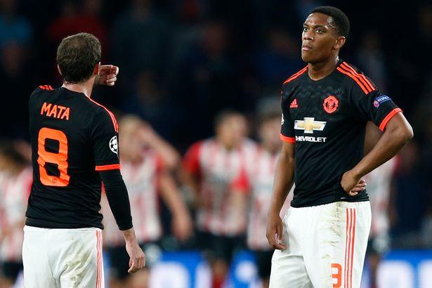 Trận hòa tai hại đã khiến Man Utd gặp khó trong lượt trận cuối cùng Champions League