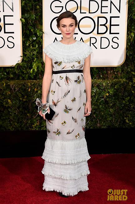 Bông hồng của nước Anh Keira Knightley xuất hiện trên thảm đỏ Quả cầu vàng với chiếc váy của Chanel - thương hiệu thời trang yêu thích của cô. Nữ diễn viên hiện đang mang bầu.