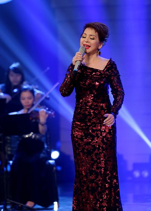 Ái Vân rất vui vì lần đầu tiên Ru con mùa đông được thể hiện trên sóng truyền hình Việt Nam.