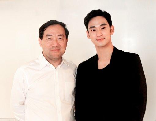 Kim Soo Hyun và Zhang Qiang - người đứng đầu Alibaba Pictures