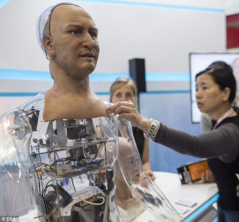 Robot có thể mỉm cười nhờ những thiết bị điều chỉnh xung quanh miệng