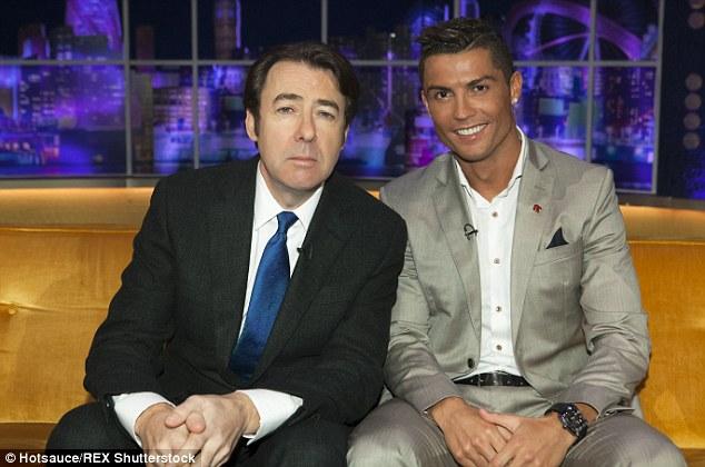 Ronaldo tham dự talkshow tại quê nhà Bồ Đào Nha.