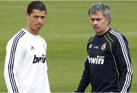 Ronaldo và HLV Mourinho xuất sắc nhất lịch sử bóng đá Bồ Đào Nha.