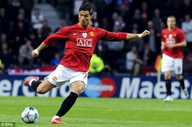 Ronaldo đã kế thừa xuất sắc chiếc áo số 7 từ David Beckham.