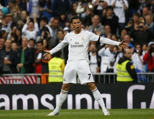 Ronaldo nắm lợi thế trước Messi trước thềm El Clasico.