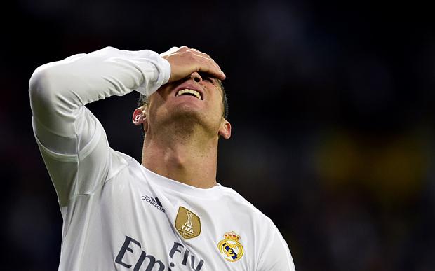 Thời gian của Cirs Ronaldo tại Real Madrid đã hết?