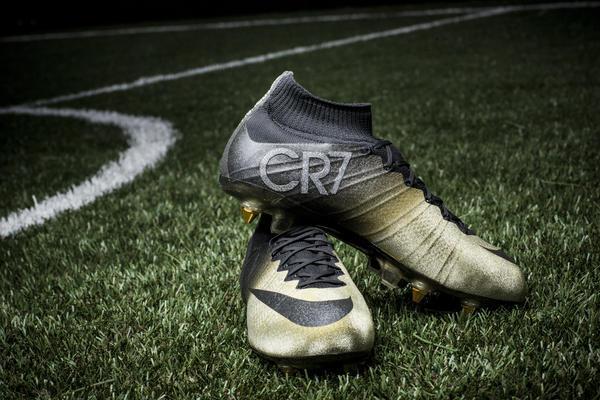 Đôi giày mà Nike tặng cho Ronaldo.