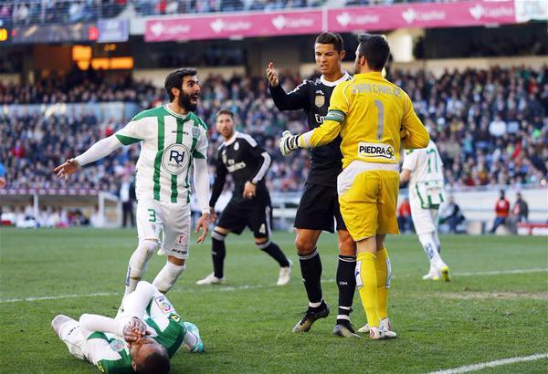 Ronaldo nhận thẻ đỏ thứ 9 trong trận gặp Cordoba cuối tuần qua.