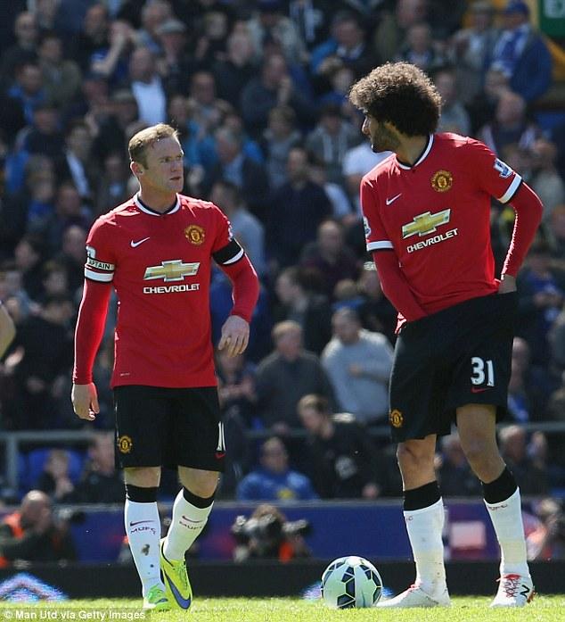 Rooney và Fellaini - hai cựu cầu thủ Everton đã có trận đấu không thành công.