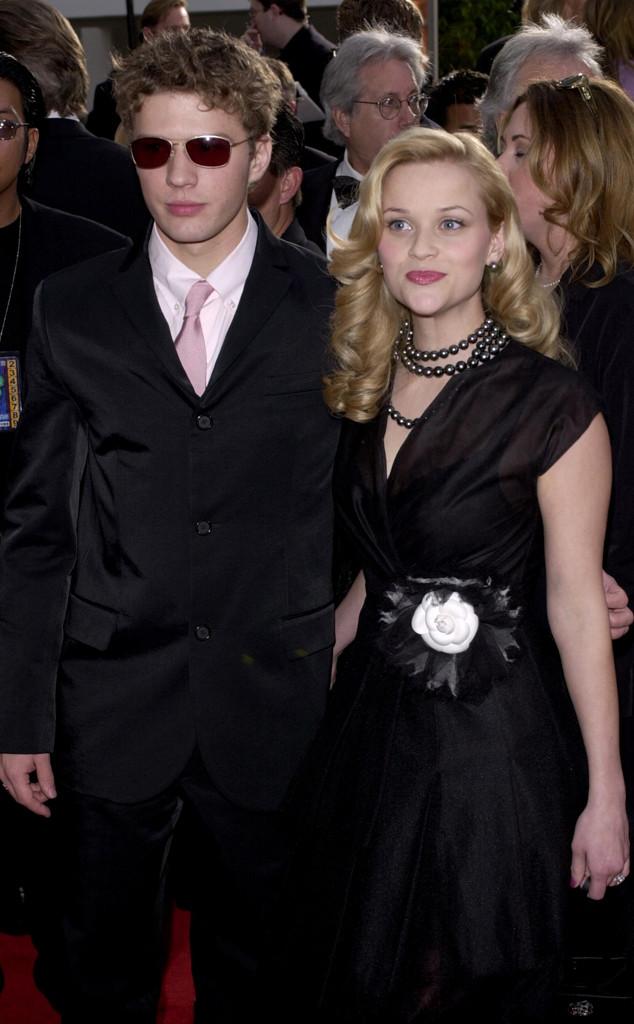 Nếu không ghi chú thích, có lẽ nhiều người sẽ nhầm tưởng nữ diễn viên Reese Witherspoon đang tham dự một tang lễ