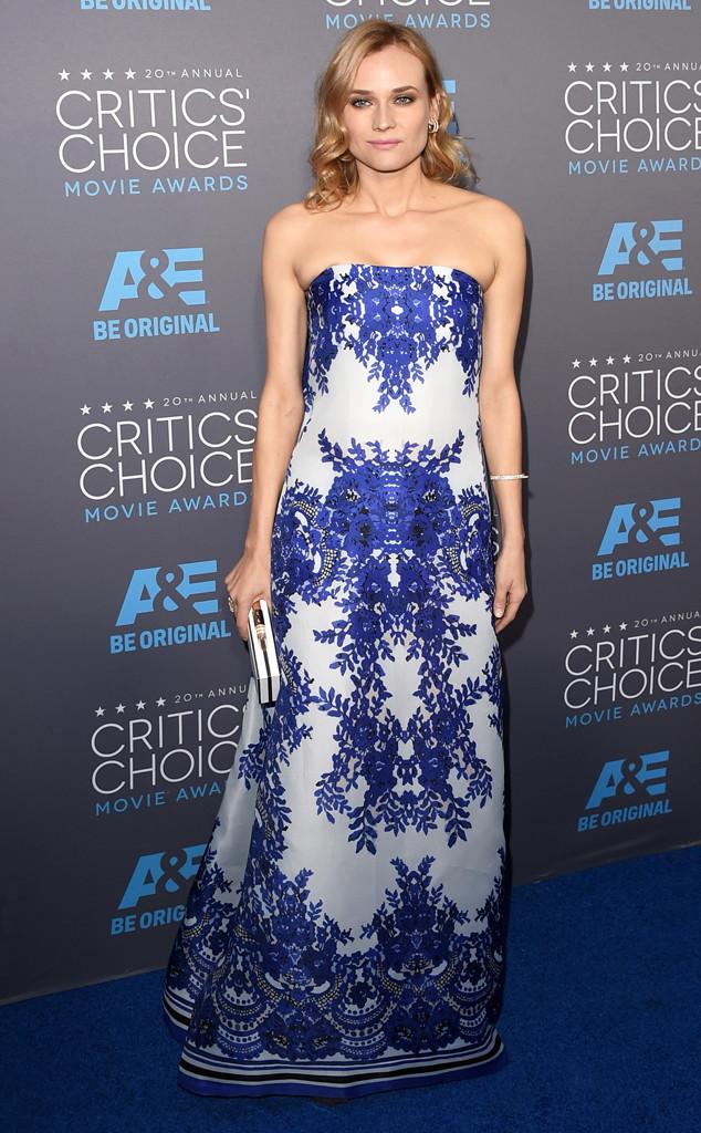 Bông hồng Đức - Diane Kruger - đến dự Critics Choice Awards với một bộ đầm có họa tiết lạ mắt