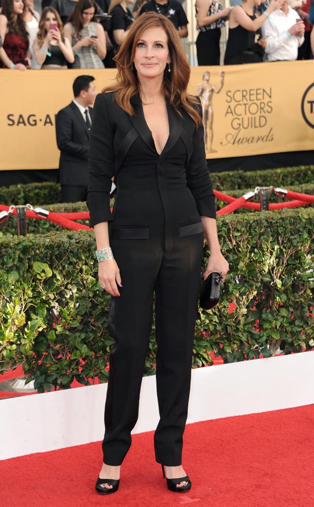 Julia Robert xuất hiện trong bộ vest của thương hiệu Givenchy