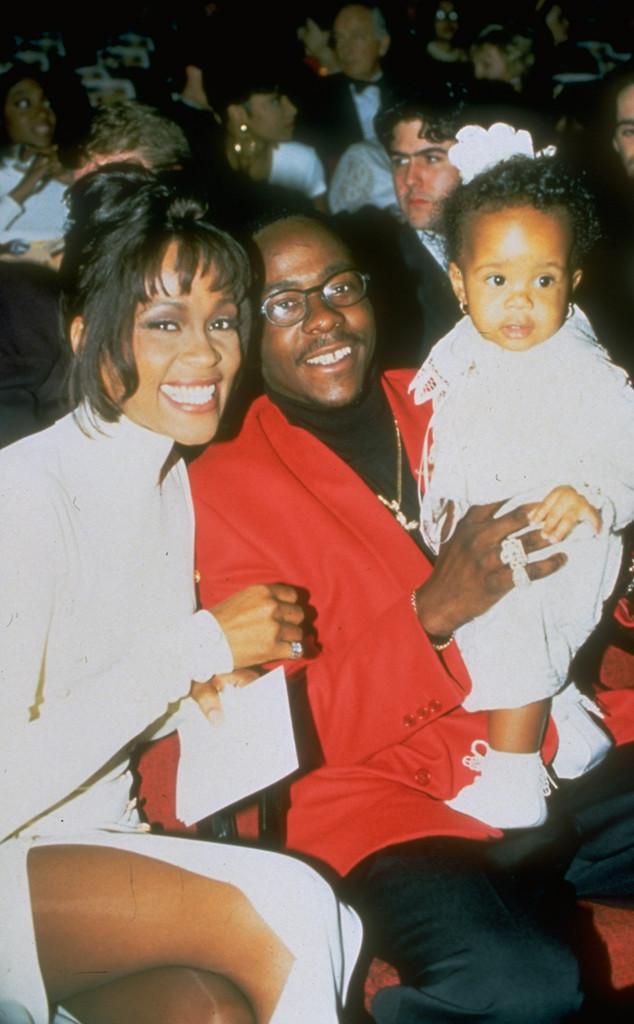 Gia đình hạnh phúc của Whitney Houston nhiều năm về trước