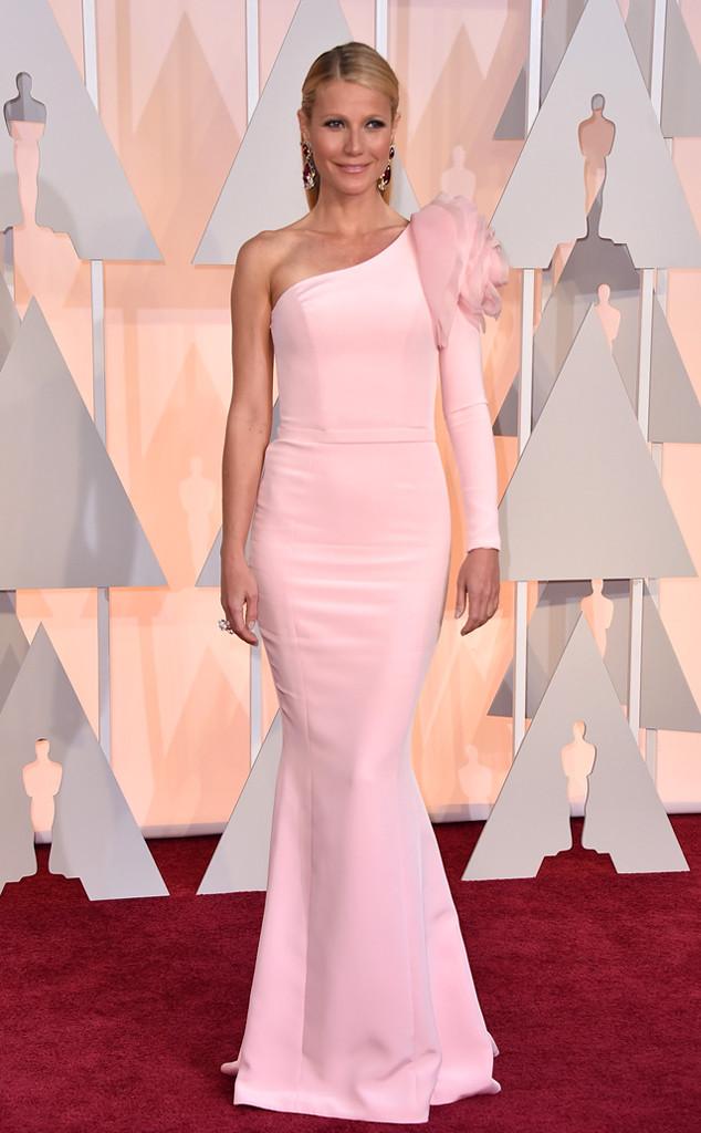 Gwyneth Paltrow thu hút mọi ánh nhìn với bộ váy lệch vai màu hồng phớt đầy nữ tính của Ralph & Russo Couture