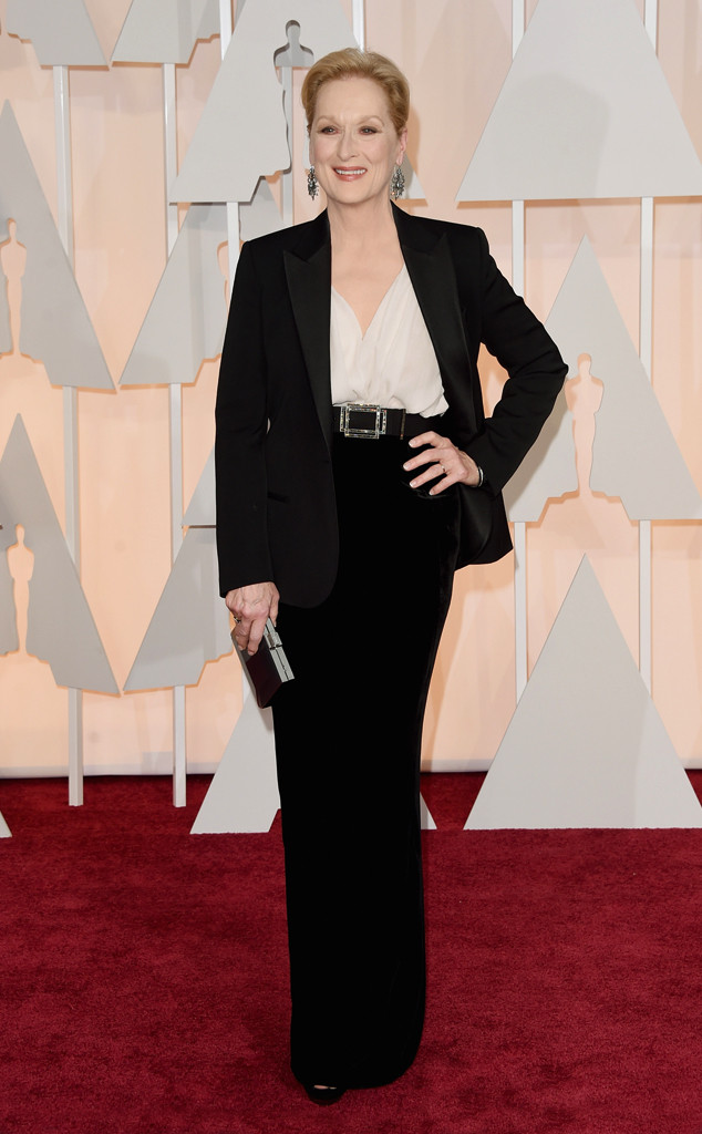 Nữ diễn viên gạo cội Meryl Streep xuất hiện trên thảm đỏ Oscar với một bộ cánh lịch lãm