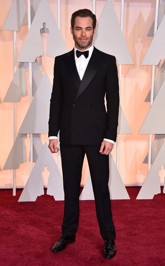 Chris Pine bụi bặm và nam tính trong trang phục của thương hiệu Giorgio Armani