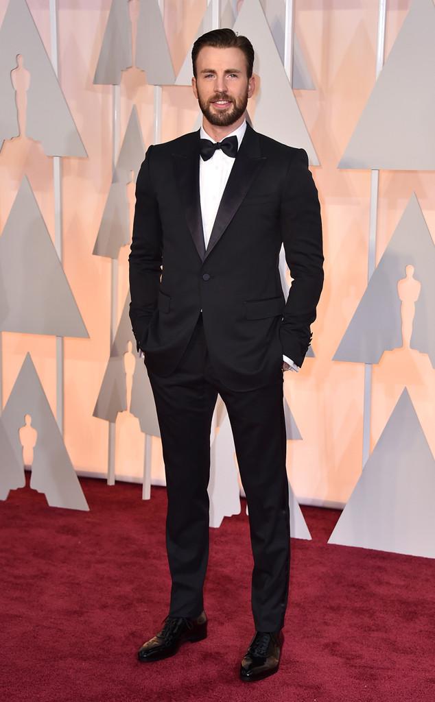 Ngôi sao Captain of America Chris Evans đẹp từng centimet trên thảm đỏ Oscar 2015
