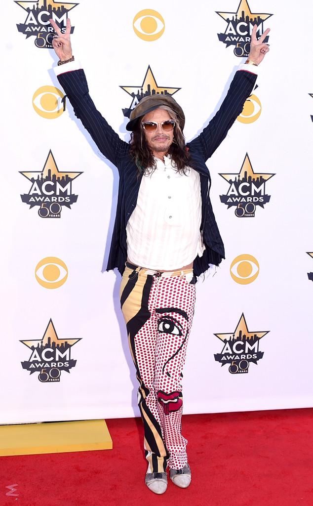 Steven Tyler gây sốc với chiếc quần siêu...dị