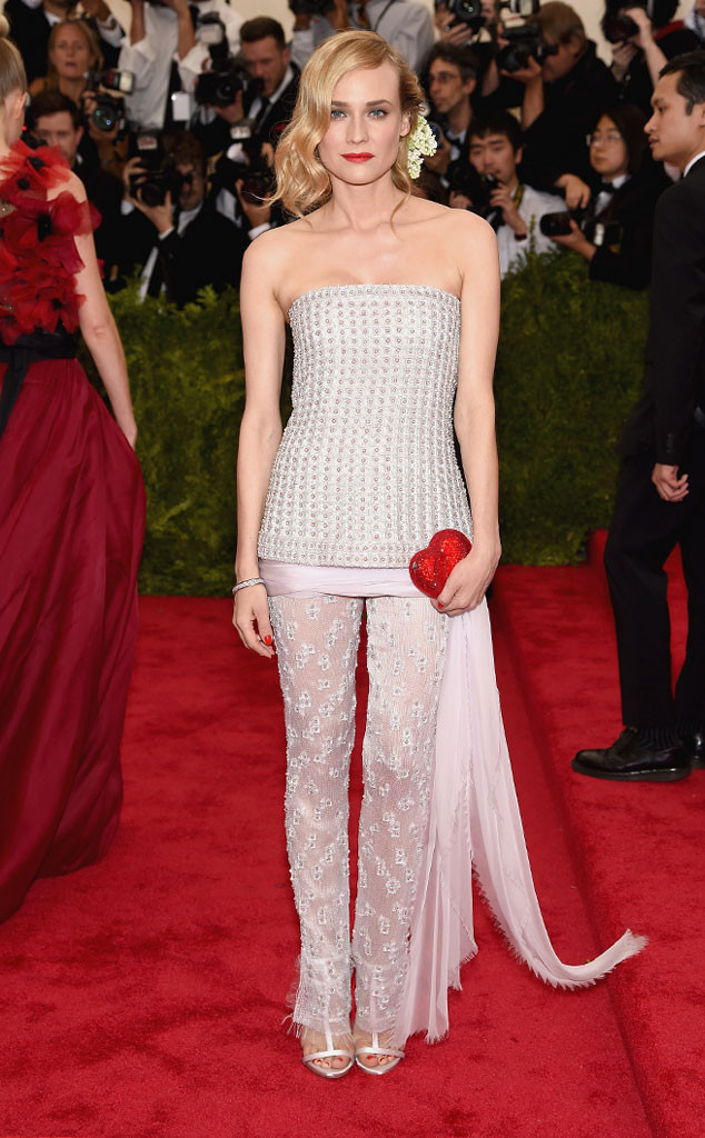 Người đẹp Diane Kruger gây ấn tượng với vẻ đẹp nữ tính, thanh lịch trong trang phục của Chanel