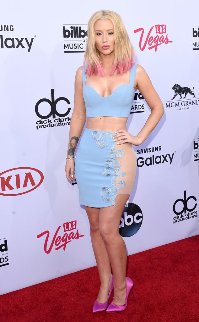 Iggy Azalea - người vừa góp giọng trong ca khúc mới ra mắt của Britney Spears mang tên Pretty Girls - diện bộ cánh gam màu pastel.