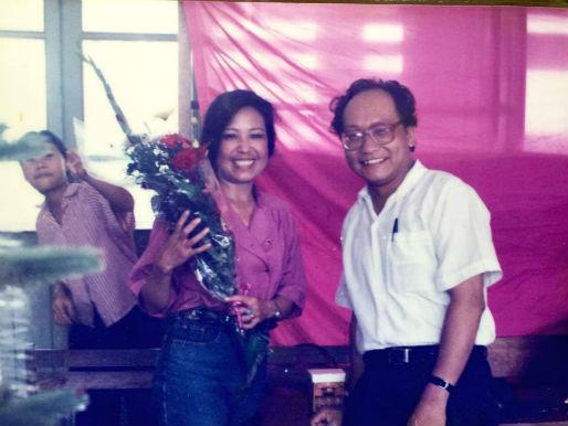 Nhân vật cô giáo dạy Lý và thầy giáo dạy Toán được miêu tả trong tác phẩm.