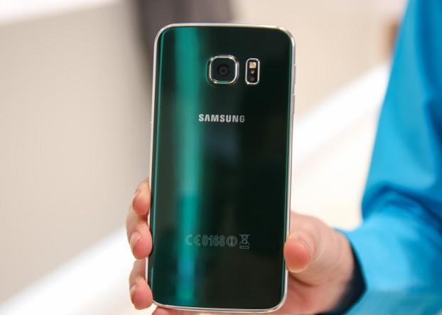 Ngọc lục bảo là màu sắc được yêu thích nhất trên dòng Galaxy S6. (Ảnh: Zing)