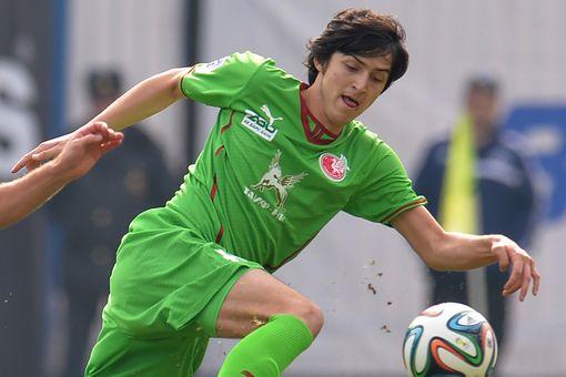 Sardar Azmoun được mệnh danh là Messi Iran.